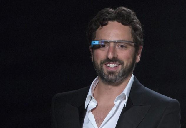 Cofundador do Google, Sergey Brin, usa o Google Glass (Andrew Kelly - 9.set.2012/Reuters)