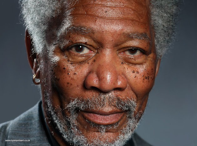 Pintura ultrarrealista de Morgan Freeman feita num iPad Air