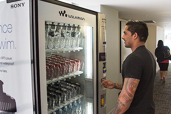 Venda de Walkman em máquina de bebidas na Nova Zelândia